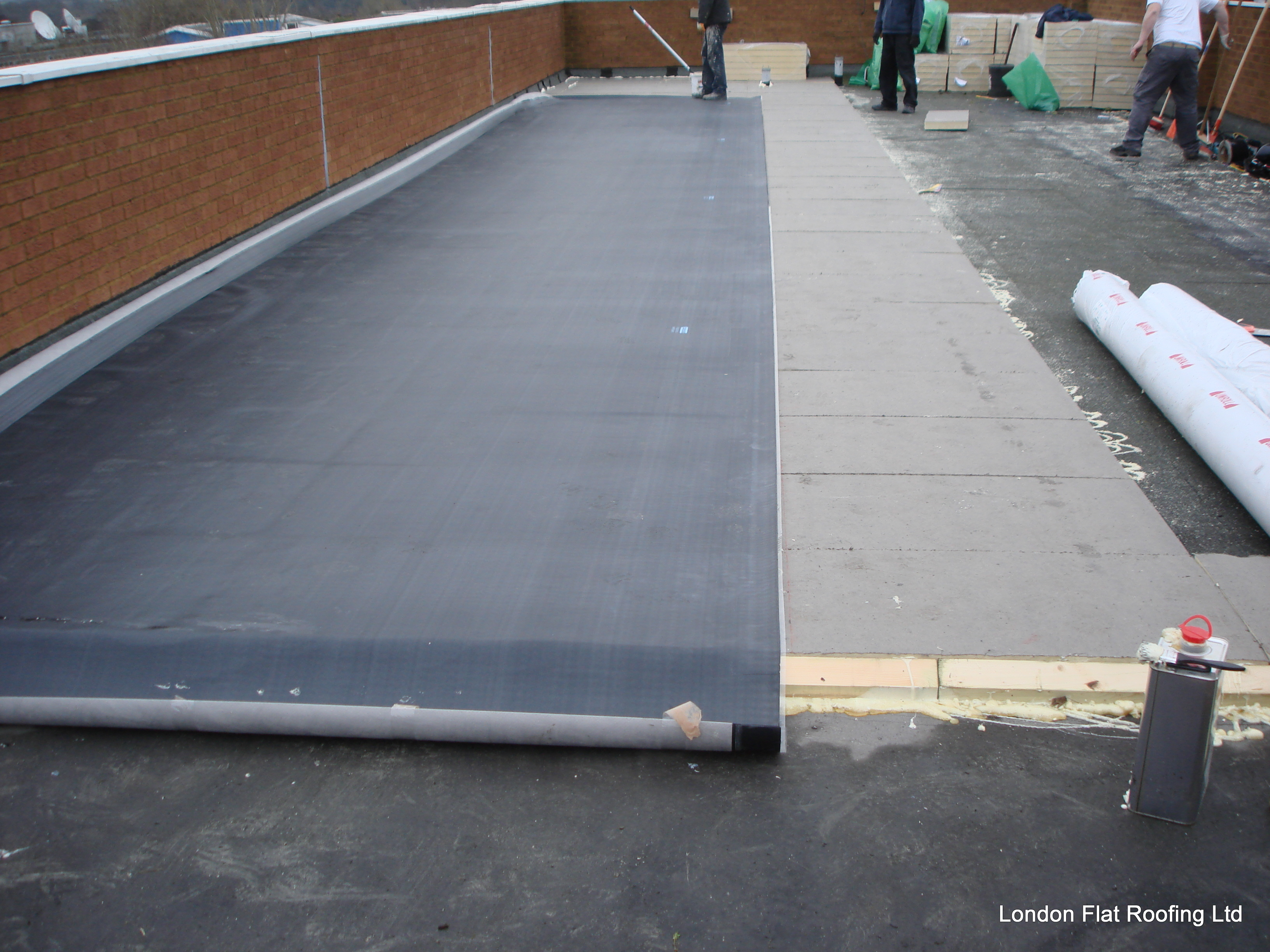 Old Leaking Felt Roof Over A Asphalt Roof 171 Epdm Rubber